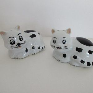 VTG Hand Painted Salt And Pepper Shaker Love Cats